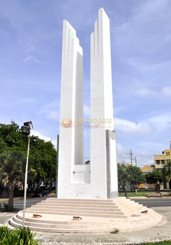 Obelisco Hembra 1