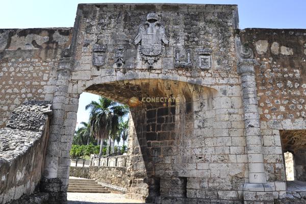 Puerta de san diego santo domingo republica dominicana for Puerta 3 de san marcos